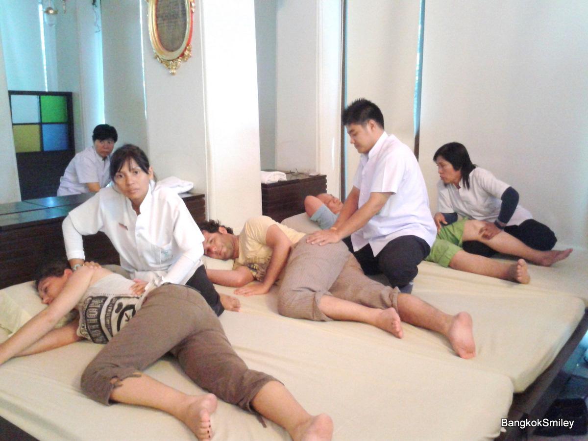 massage body to body amsterdam erotic massage